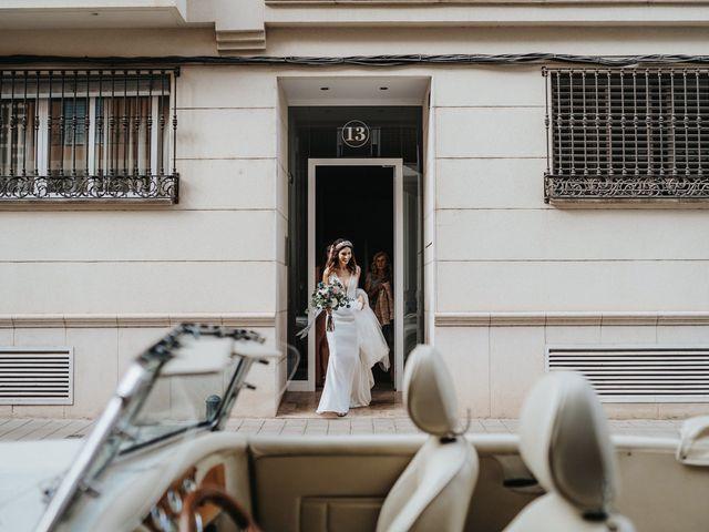 La boda de Carla y Armando en Valencia, Valencia 33