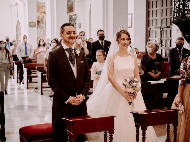 La boda de Jesús y Vanesa en Dos Hermanas, Sevilla 51