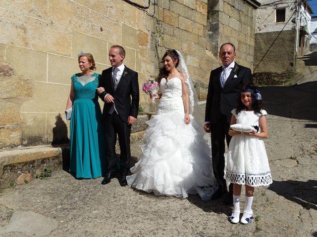 La boda de Jesús  y Miriam en Villanueva De La Sierra, Cáceres 4