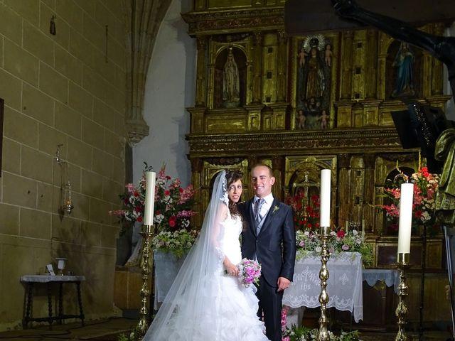 La boda de Jesús  y Miriam en Villanueva De La Sierra, Cáceres 11