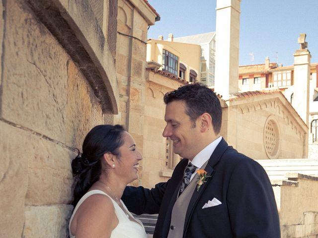 La boda de Alberto y Verónica en Gijón, Asturias 12