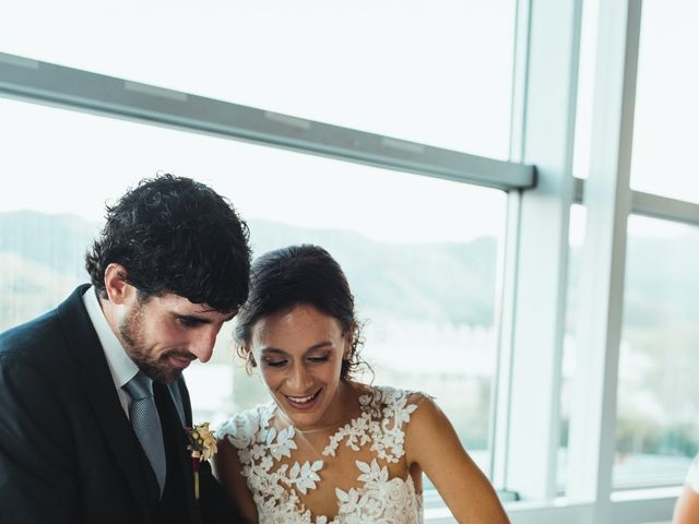 La boda de Ander y Saioa en Irun, Guipúzcoa 17