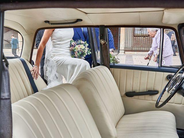 La boda de Laura y Manuel en Madrid, Madrid 25
