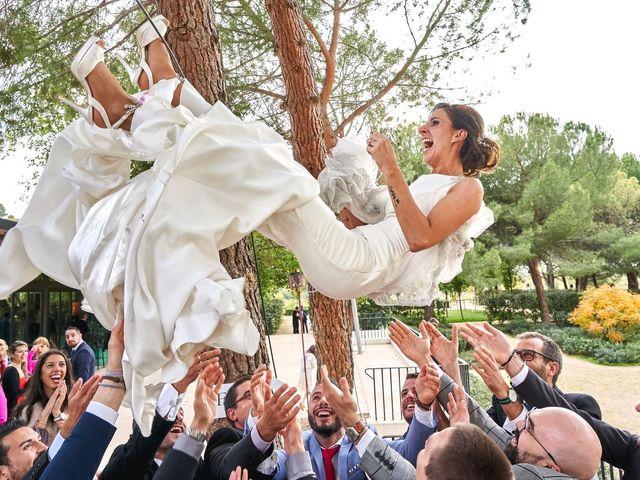 La boda de Laura y Manuel en Madrid, Madrid 32