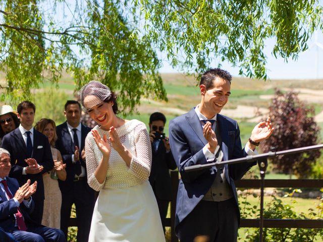 La boda de Luis y Estela en Huermeces, Burgos 17