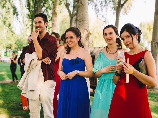 La boda de Pau y Elena en Bellvis, Lleida 30