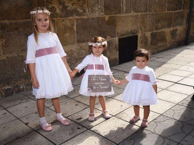 La boda de Manuel y Romina en León, León 6
