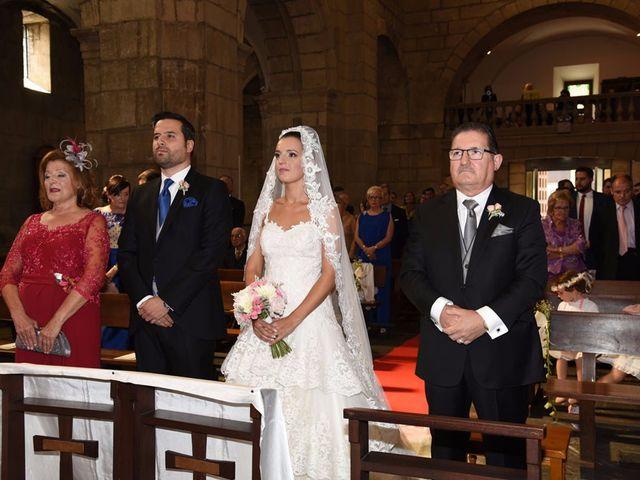 La boda de Manuel y Romina en León, León 14