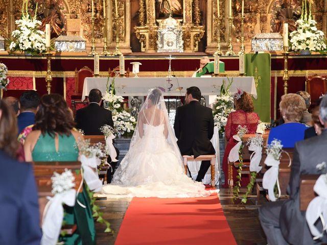 La boda de Manuel y Romina en León, León 17