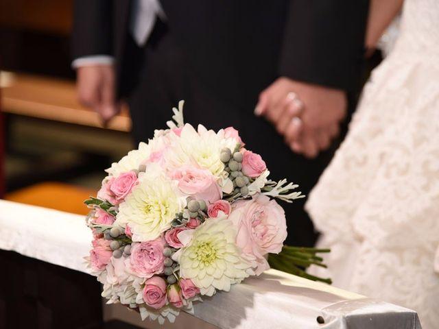 La boda de Manuel y Romina en León, León 20