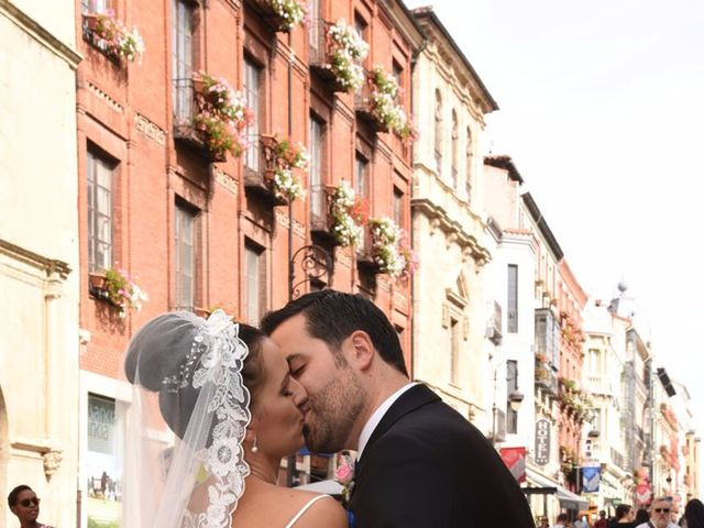 La boda de Manuel y Romina en León, León 1