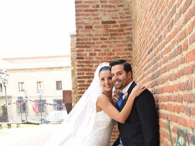 La boda de Manuel y Romina en León, León 38