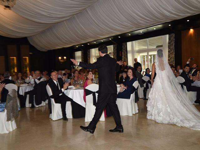 La boda de Manuel y Romina en León, León 51