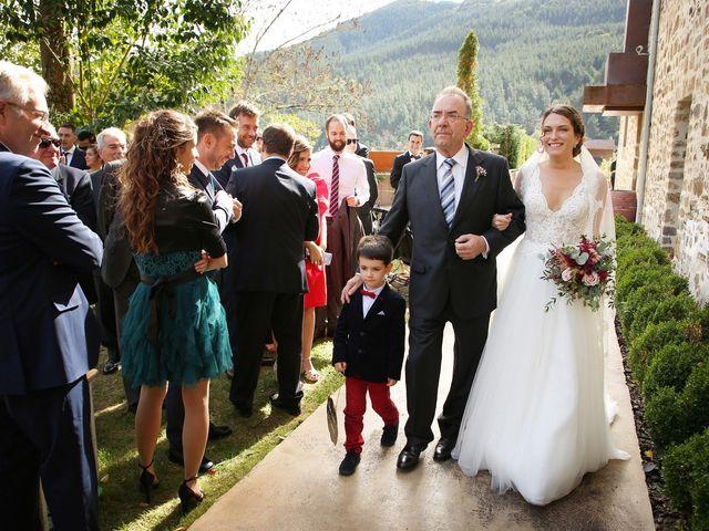 La boda de Julen y Miren en Gordexola, Vizcaya 17