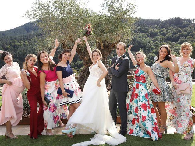 La boda de Julen y Miren en Gordexola, Vizcaya 35