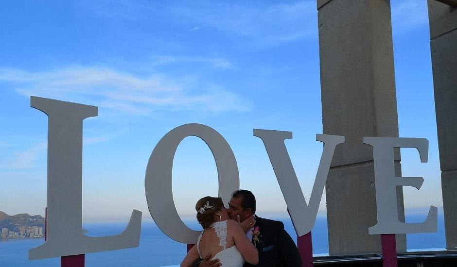 La boda de Pablo y Patricia en Benidorm, Alicante