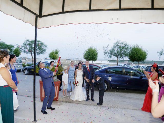 La boda de Manuel Jesús y Rosarito en Arahal, Sevilla 23