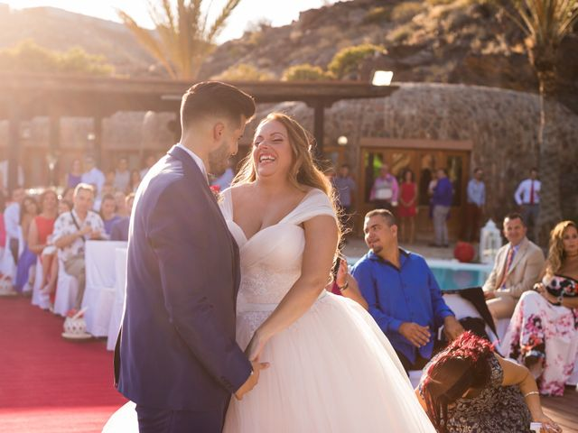 La boda de Asahel  y Jessica  en San Bartolome De Tirajana, Las Palmas 11