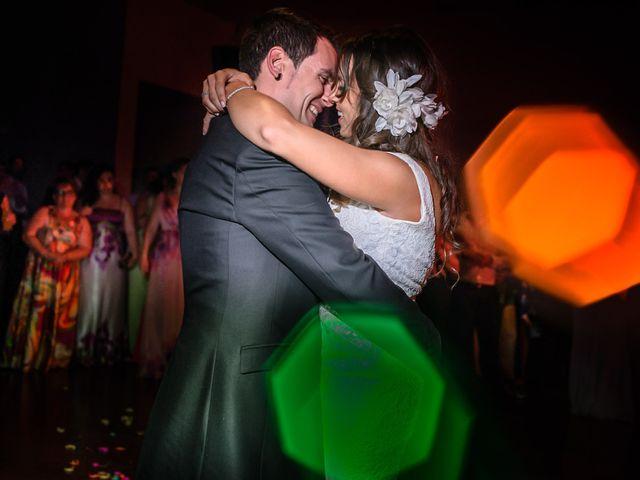 La boda de Carlos y Rafi en León, León 25