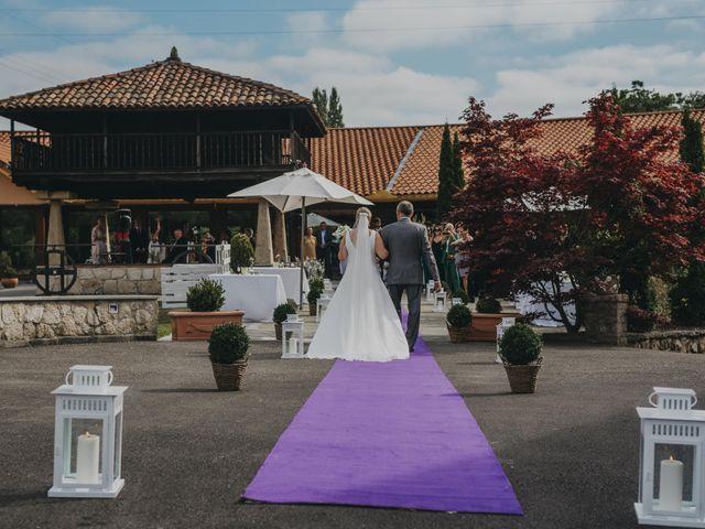 La boda de Jose Carlos y Magdalena en Naveces, Asturias 32