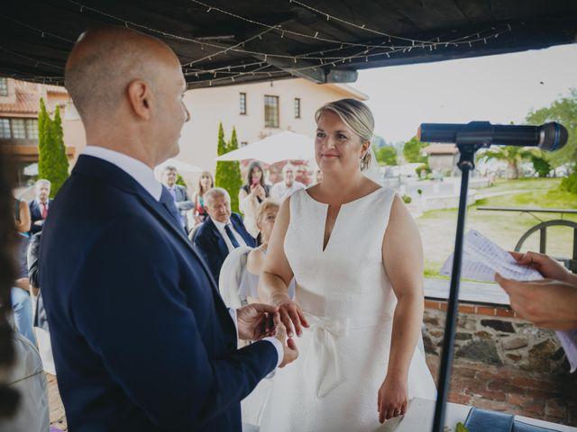 La boda de Jose Carlos y Magdalena en Naveces, Asturias 48