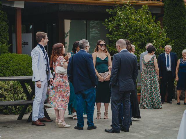 La boda de Jose Carlos y Magdalena en Naveces, Asturias 64