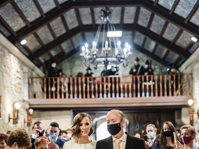 La boda de Víctor y Berta en Pontevedra, Pontevedra 31