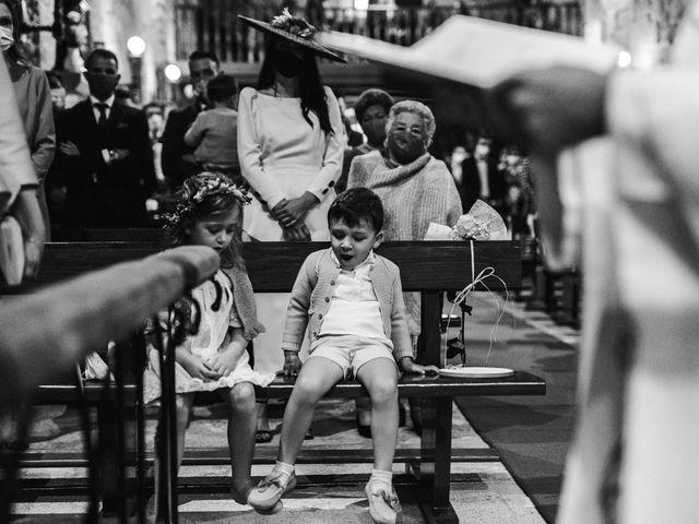 La boda de Víctor y Berta en Pontevedra, Pontevedra 33