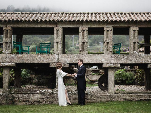 La boda de Víctor y Berta en Pontevedra, Pontevedra 1