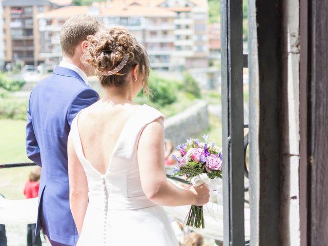 La boda de Urko y María en Bakio, Vizcaya 31