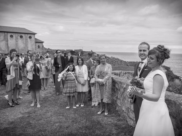 La boda de Urko y María en Bakio, Vizcaya 35