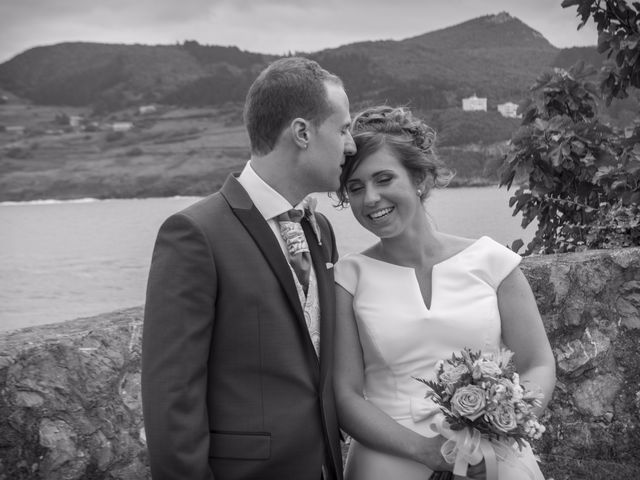 La boda de Urko y María en Bakio, Vizcaya 39