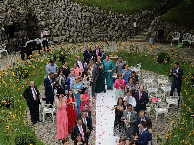 La boda de Manuel y Patricia en Comillas, Cantabria 15