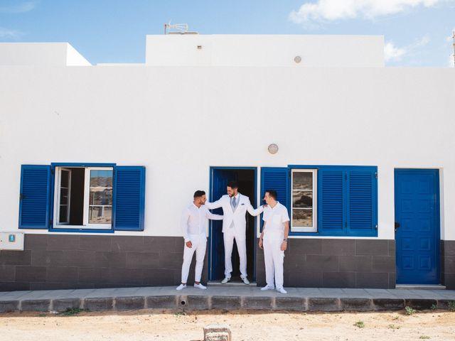 La boda de Nauzet y Laura en Caleta De Sebo (Isla Graciosa), Las Palmas 12
