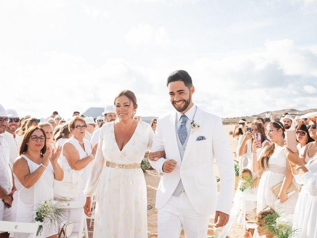 La boda de Nauzet y Laura en Caleta De Sebo (Isla Graciosa), Las Palmas 15