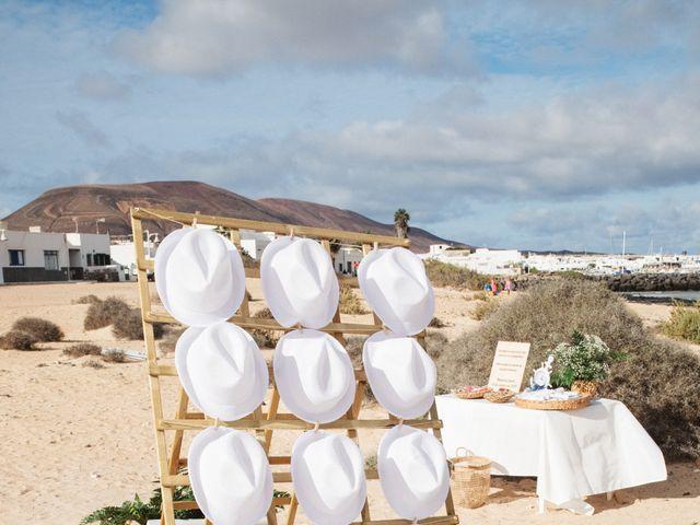La boda de Nauzet y Laura en Caleta De Sebo (Isla Graciosa), Las Palmas 16