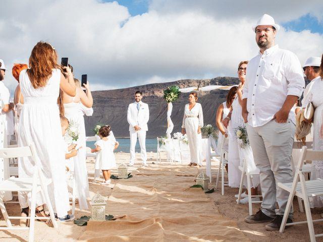 La boda de Nauzet y Laura en Caleta De Sebo (Isla Graciosa), Las Palmas 23