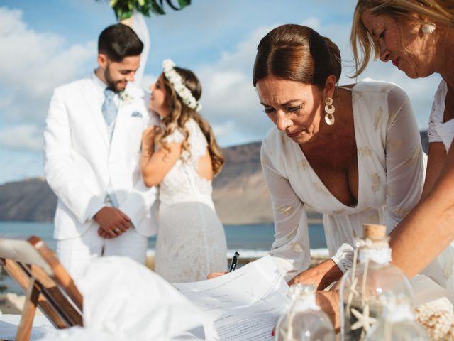 La boda de Nauzet y Laura en Caleta De Sebo (Isla Graciosa), Las Palmas 45