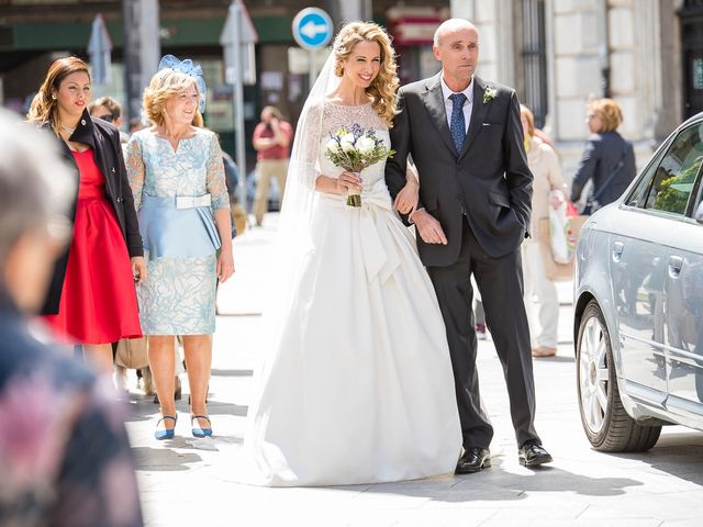 La boda de Unai y Estibaliz en Portugalete, Vizcaya 16