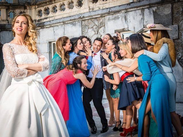 La boda de Unai y Estibaliz en Portugalete, Vizcaya 23