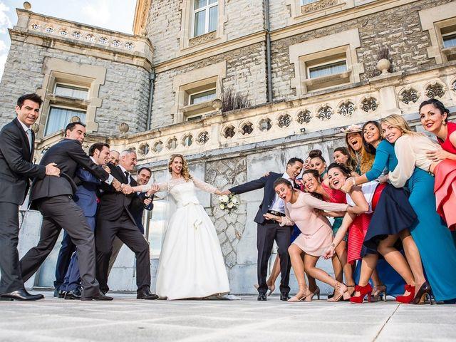 La boda de Unai y Estibaliz en Portugalete, Vizcaya 24