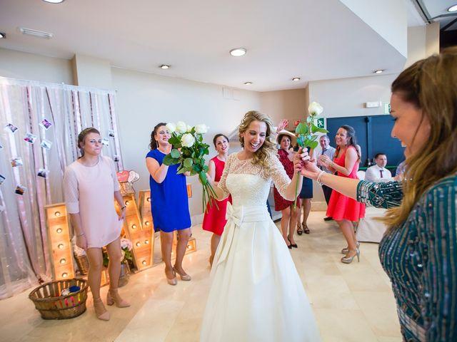 La boda de Unai y Estibaliz en Portugalete, Vizcaya 33