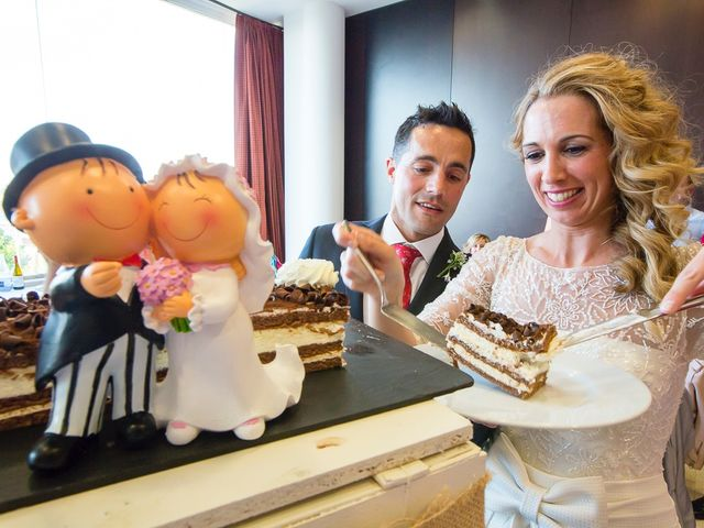 La boda de Unai y Estibaliz en Portugalete, Vizcaya 37