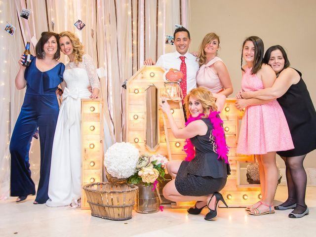 La boda de Unai y Estibaliz en Portugalete, Vizcaya 41