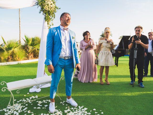La boda de Angelo y Emmanuelle en La/villajoyosa Vila Joiosa, Alicante 21