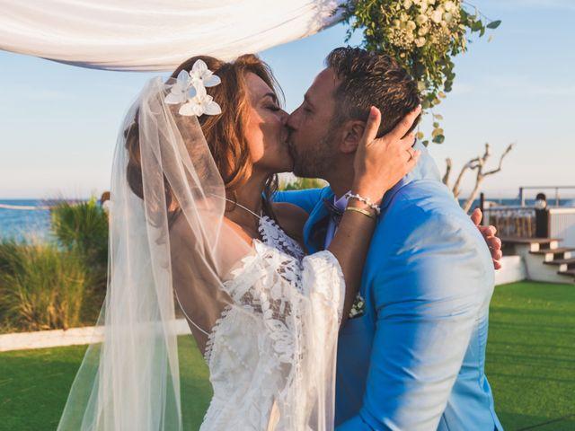 La boda de Angelo y Emmanuelle en La/villajoyosa Vila Joiosa, Alicante 32
