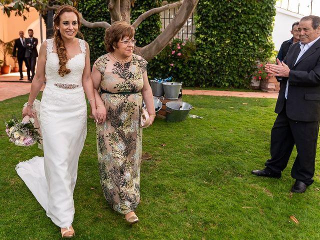 La boda de Nandi y Yolanda en El Puig, Valencia 24