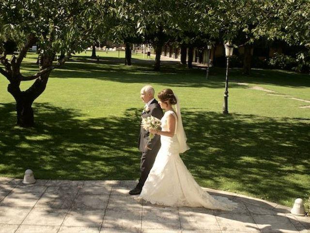 La boda de David y Idoia en Huarte-pamplona, Navarra 27