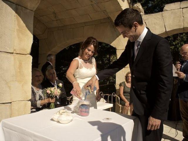 La boda de David y Idoia en Huarte-pamplona, Navarra 34