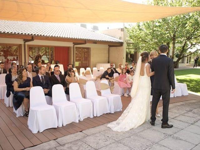 La boda de David y Idoia en Huarte-pamplona, Navarra 38